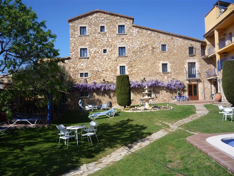 L'hotel Sant Joan, situat en aquest nucli de Palamós.