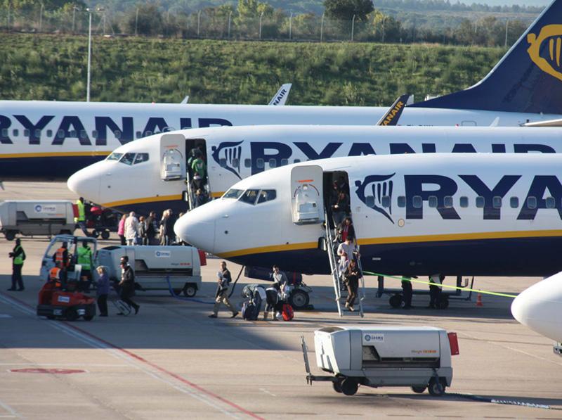 Avions de Ryanair a l'aeroport Girona-Costa Brava.