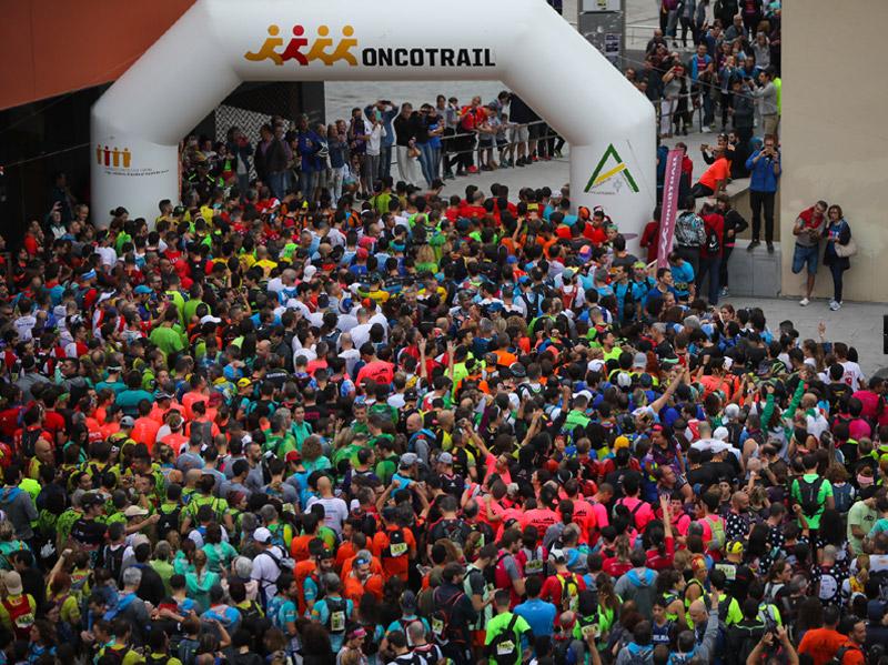 Moment de la multitudinària sortida de l'Oncotrail, el passat dissabte. (Foto: David Fajula).