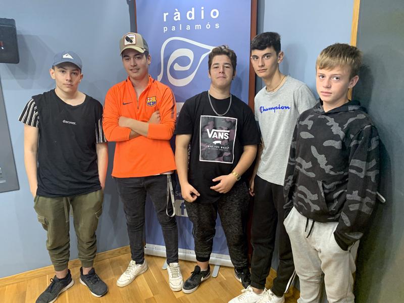 Els alumnes de la UEC de Sant Antoni han visitat Ràdio Palamós.