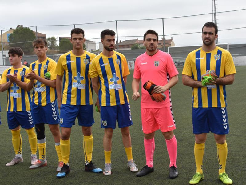 Jugadors del Palamós, abans del partit a Rubí, on van aconseguir la cinquena victòria seguida. (Foto: S. Cortés fanspalamoscf.com).