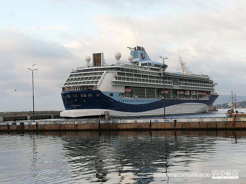 El Marella Discovery 2 fa escala avui al port de Palamós.