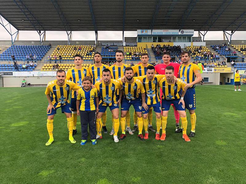 Onze inicial del Palamós, ahir contra el Sabadell Nord. (Foto: Palamós CF).