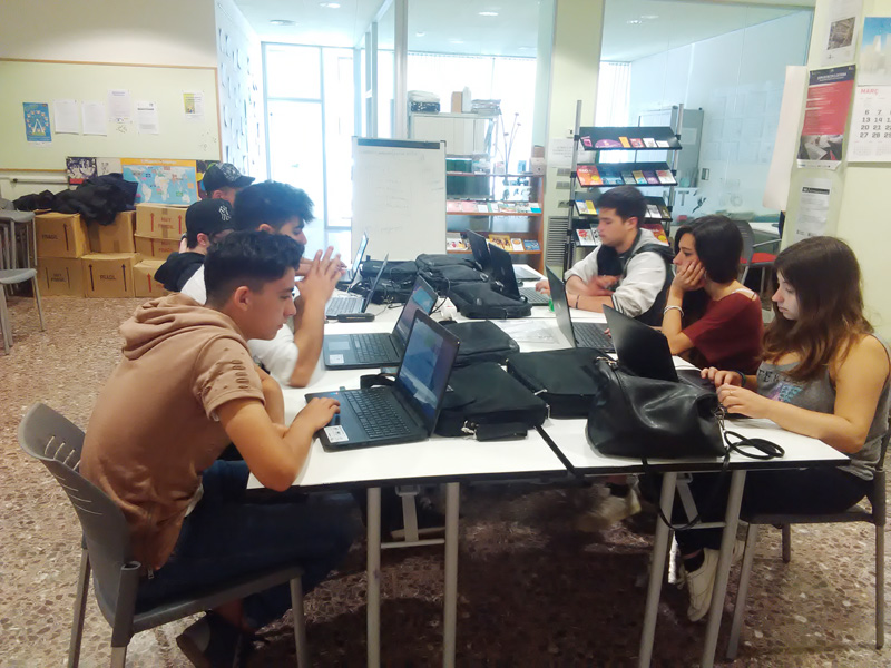 La Garantia Juvenil és una iniciativa europea d'ocupació per reduir l'atur juvenil.