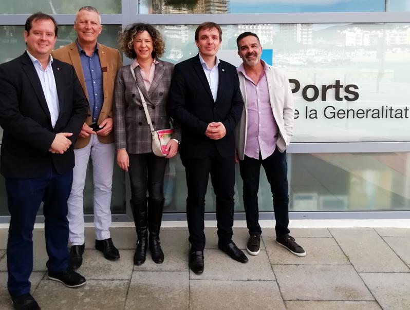 Representants de C's, ahir en una visita a les ofincies de Ports de la Generalitat a Palamós. (Foto: Ciutadans).