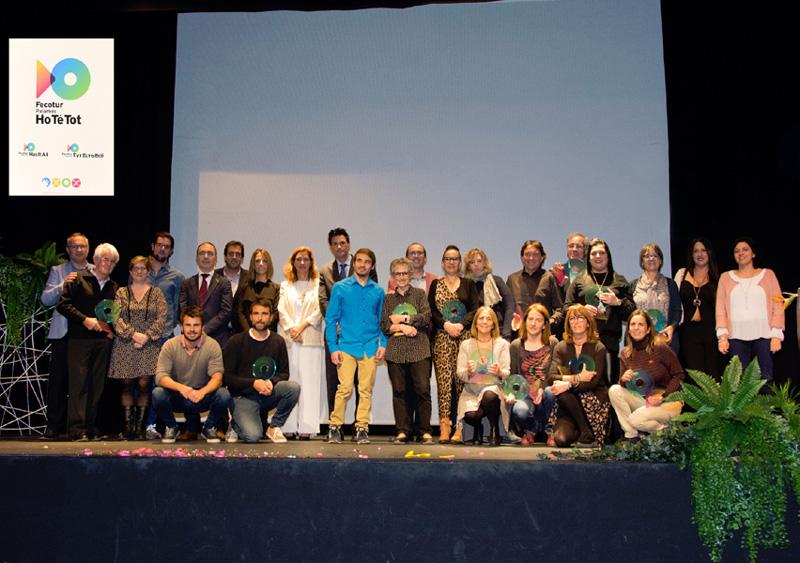Fotografia amb els premiats de la Segona Gala dels Socis de Fecotur. (Foto: Olga Grassot).