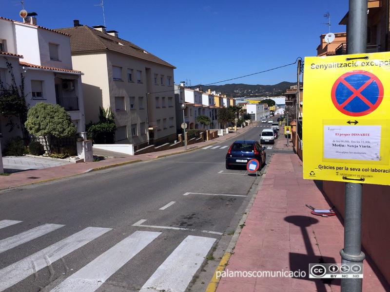El carrer de Pau Casals, afectat demà per la neteja viària del