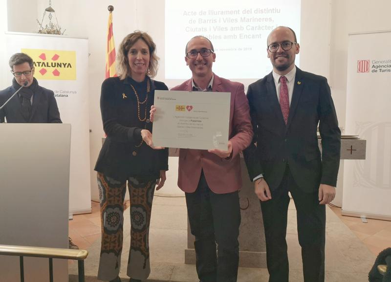 L'alcalde de Palamós, Lluís Puig, amb la consellera Àngels Chacón, i el director de l'Agència Catalana de Turisme, David Font.