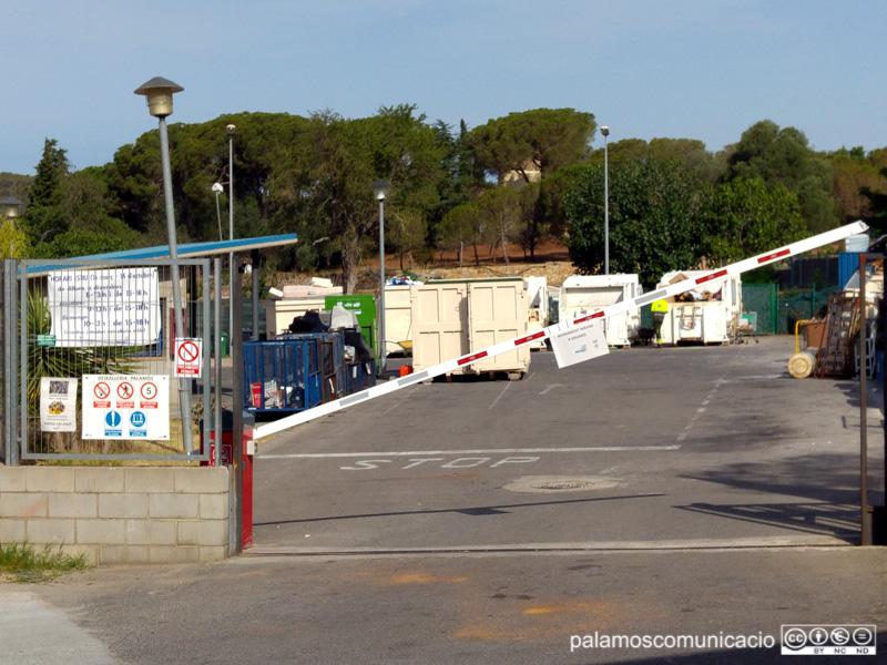 Imatge de la deixalleria municipal de Palamós, al costat del polígon industrial de Sant Joan.
