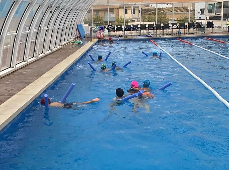 Una activitat del Club Natació Palamós, a les instal·lacions del Club Esportiu.