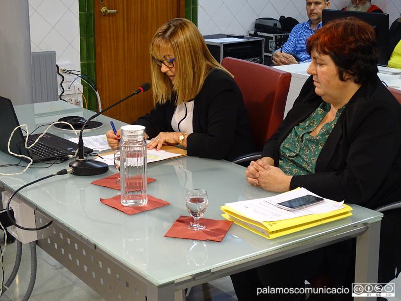 Clara Maymí, a l'esquerra de la imatge, ha actuat com a secretària accidental des del mes de març.