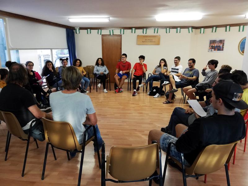 Una de les sessions de participació a l'Espai Jove. (Foto: Ajuntament de Palamós).