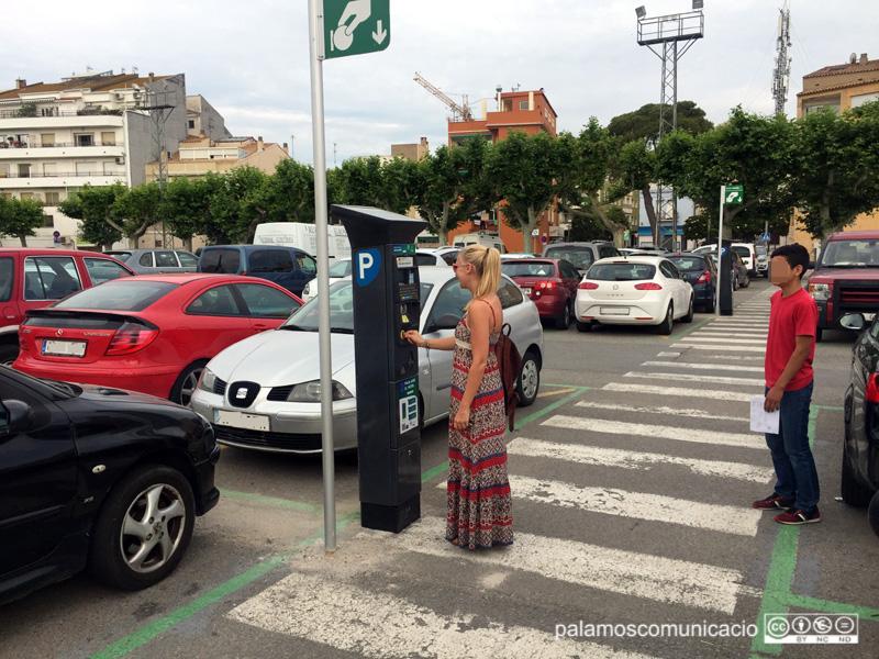 L'aparcament de l'Arbreda tindrà una zona vermella d'estacionament tot l'any.