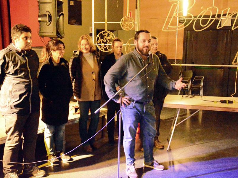 L'alcalde Miquel Bell-lloch, durant l'acte d'encesa de llums. (Foto: Ajuntament de Calonge i Sant Antoni).