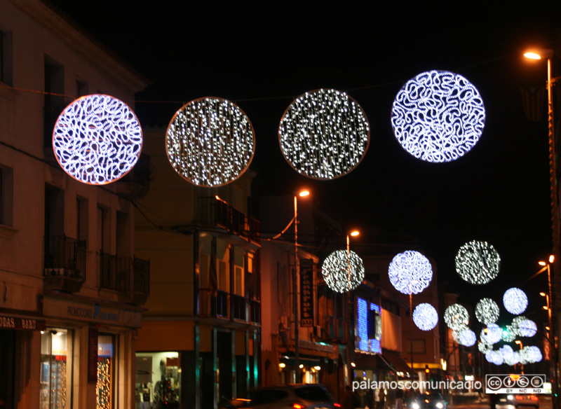 Il·luminació nadalenca a l'Avinguda de l'11 de setembre.