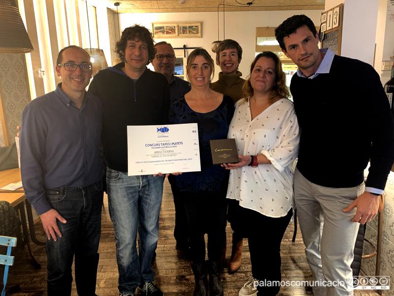 Avui s'ha fet entrega del premi a la taverna Arrels pel concurs de tapes i platets del Palamós Gastronòmic.