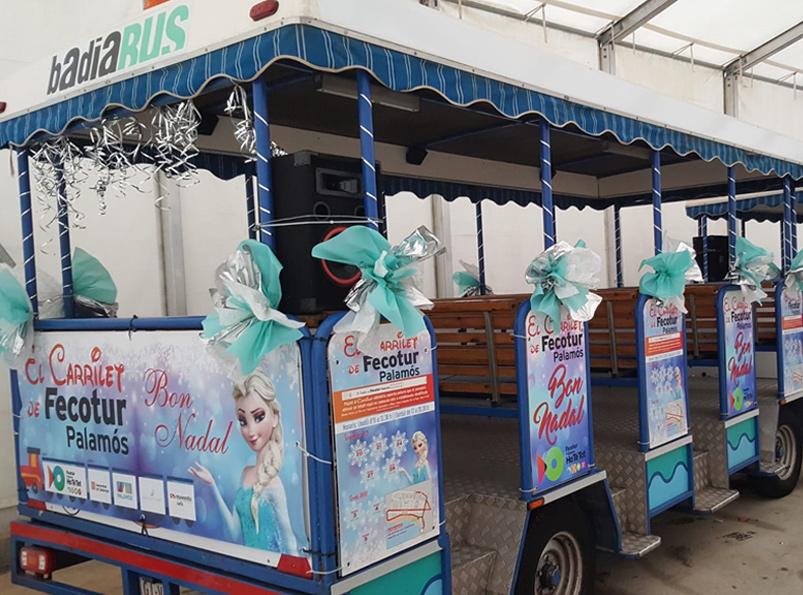 El carrilet de Fecotur, ambientat amb la temàtica de la pel·lícula 'Frozen'. (Foto: Fecotur).