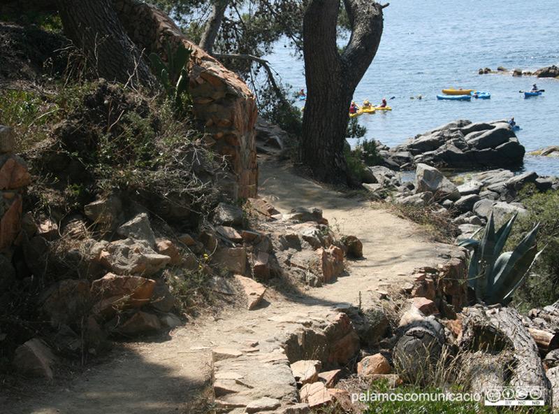 Un tram del camí de ronda de Palamós.