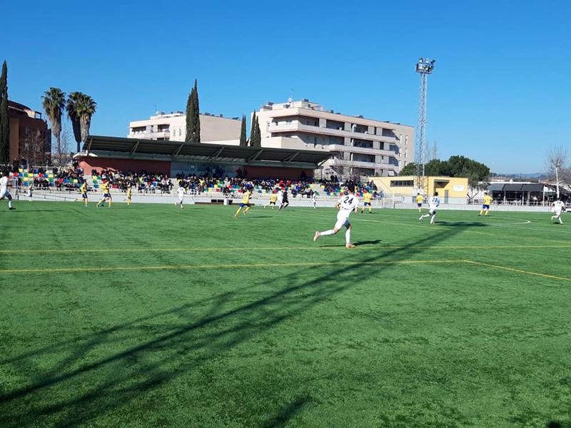 Un instant del partit d'ahir entre Parets i Palamós. (Foto: Palamós CF).
