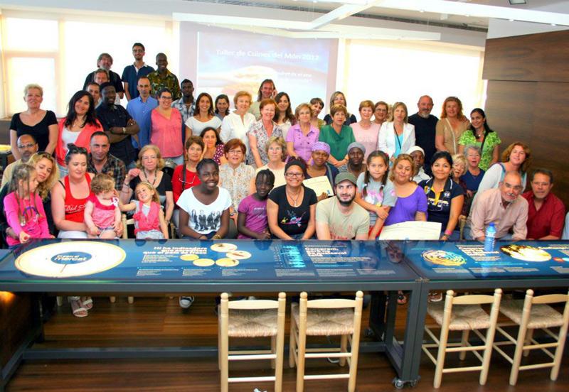 'Cuines del món' és una de les activitats que interrelaciona les diferents cultures que conviuen a Palamós. (Foto: Ajuntament de Palamós).