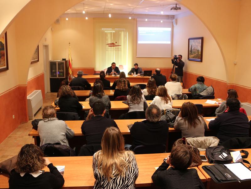 La presentació d'aquest nou instrument d'anàlisi es va fer ahir davant d'una quarantena d'empresaris i tècnics de turisme de la comarca. (Foto: Consel
