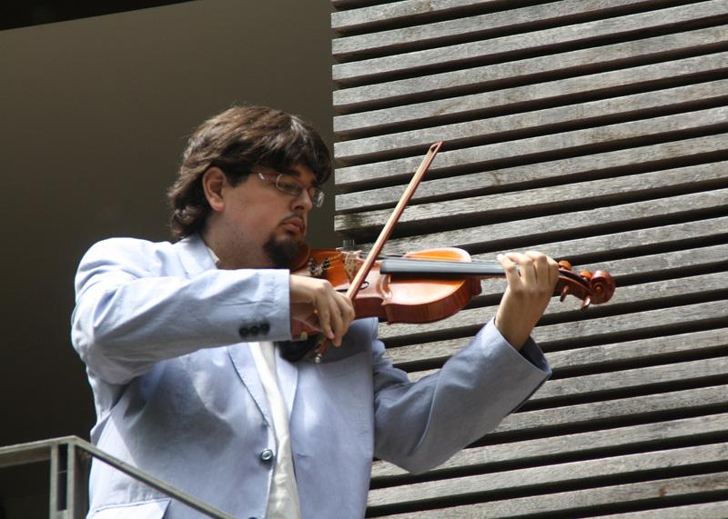 Amós Pérez és l'encarregat d'impartir aquest cicle sobre música.