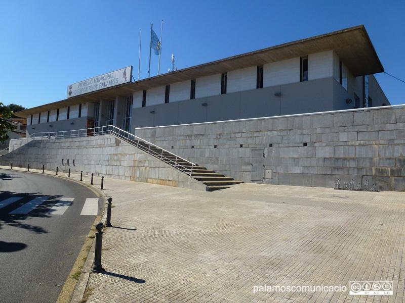 El nou espai poliesrpotiu es construirà al costat del Pavelló Municipal.