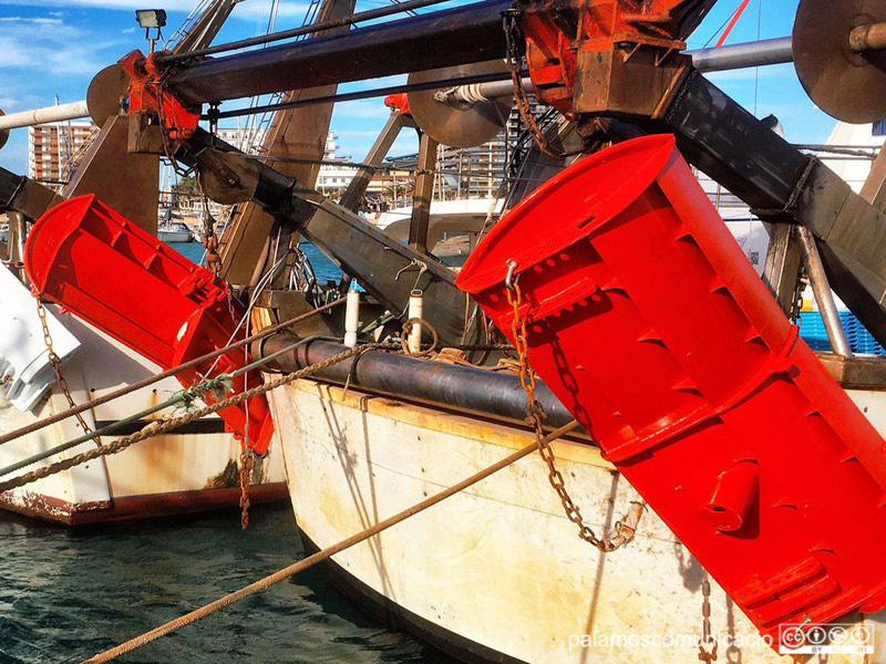 Portes d'arrossegament al port de Palamós, en una imatge d'arxiu.