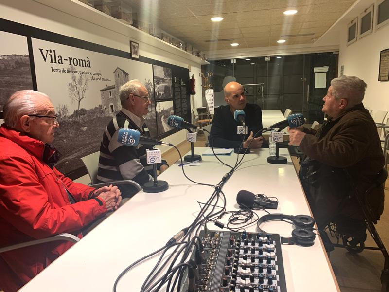 Josep Anton, Àngel Romero i Mercè Garcia, durant la tertúlia amb Jordi Rodríguez.