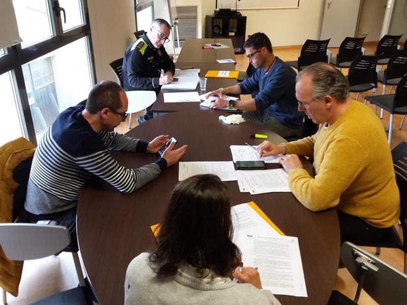 Reunió de coordinació municipal a la seu de la Policia Local. (Foto: Ajuntament de Palamós).