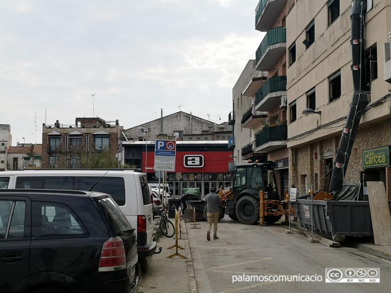 Aquestes obres al carrer de Santa Bàrbara han treballat avui per últim dia i demà ja s'aturaran.