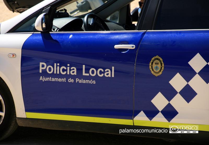 Cotxe patrulla de la Policia Local de Palamós.