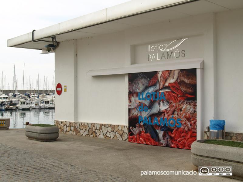 La Llotja del Peix, al port de Palamós.