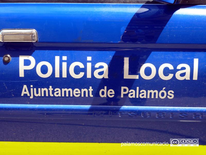 La Policia Local és un dels serveis essencials que continua plenament actiu en el marc d'aquesta crisi del coronavirus.
