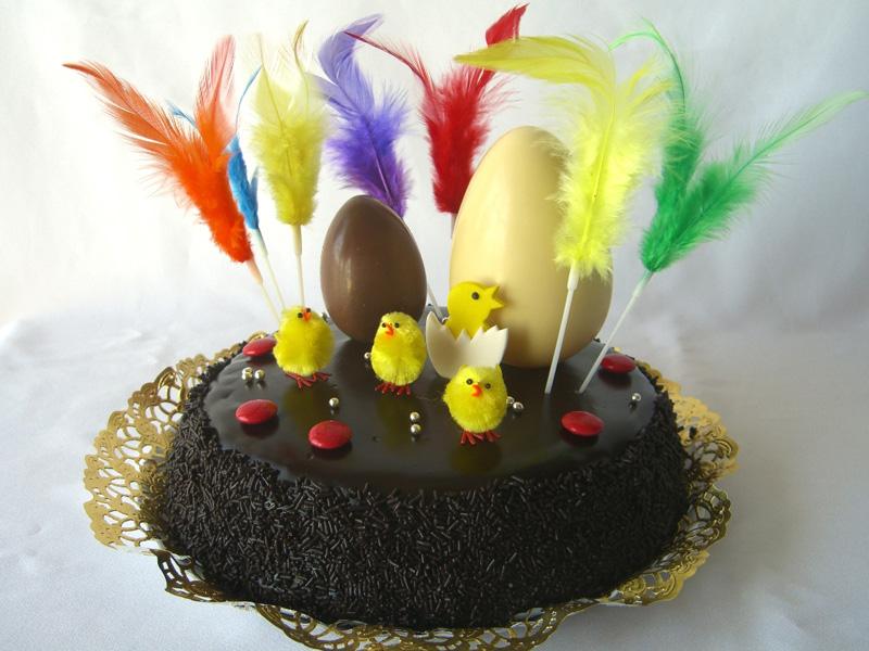 Els Kins20 proposen un concurs de mones de Pasqua i pastissos de xocolata. (Foto: lacuinadecasa.cat).