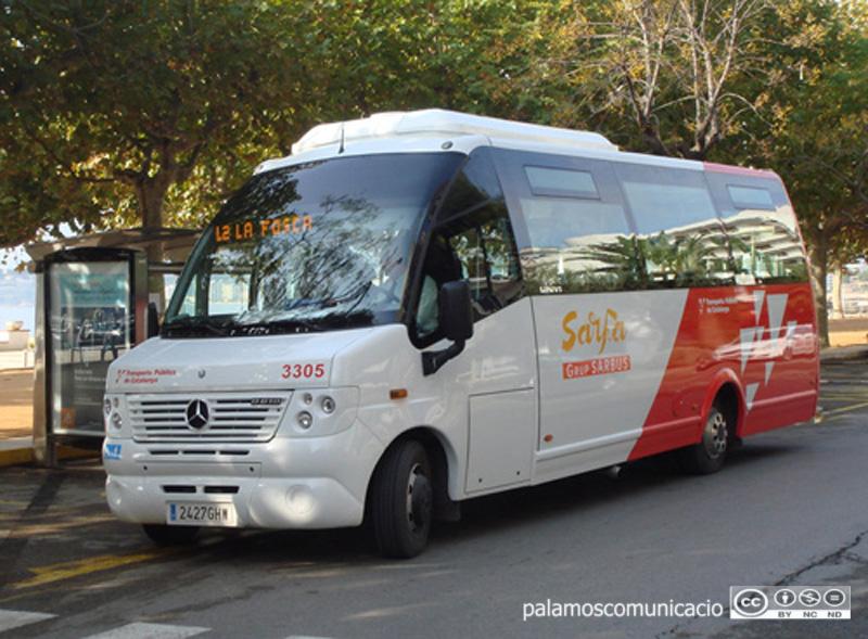 Els autobusos accepten només ocupar una tercera part de la seva capacitat.