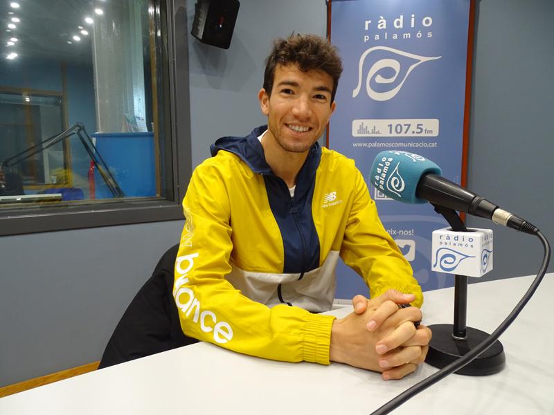 Adel Mechaal, l'última vegada que va visitar Ràdio Palamós, fa un mes.