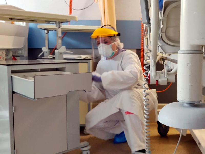 Servei de neteja a l'hospital de Palamós. (Foto: SSIBE).