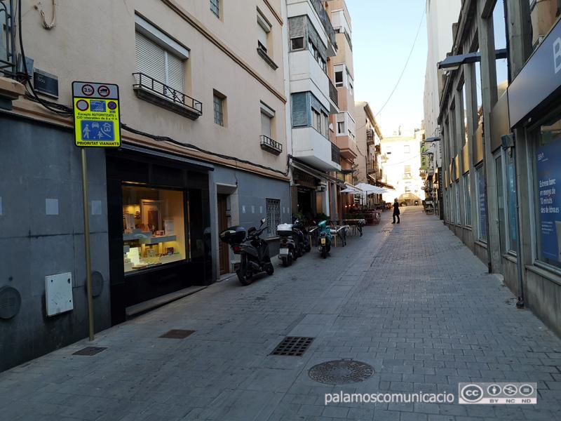 Accés al barri Vell pel Carrer Nou, a l'alçada de l'avinguda Onze de Setembre.