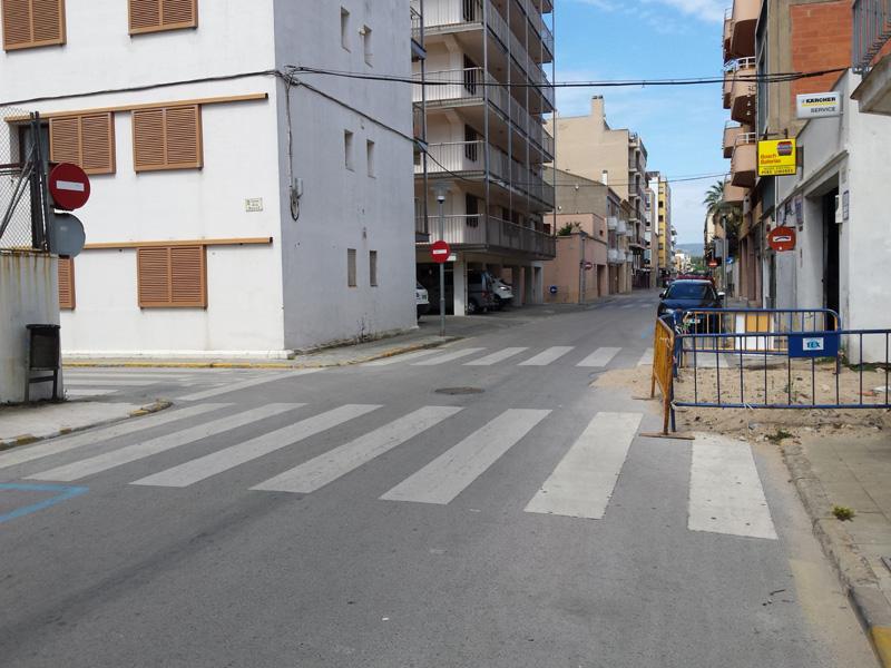 El carrer de López Puigcerver, quedarà tallat al trànsit a partir de demà al matí. (Foto: Ajuntament de Palamós).