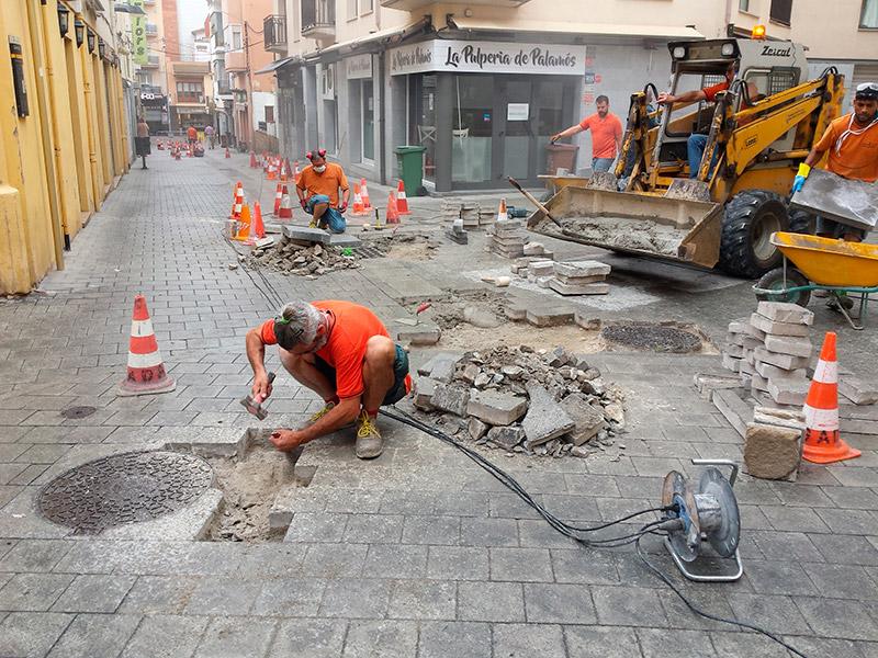 Arranjament de panots dels carrers Nou i de la Roda. (Foto: Ajuntament de Palamós).