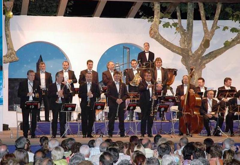 Imatge d'arxiu d'una actuació dels Montgrins a l'Arbreda.(Foto: ASCB)
