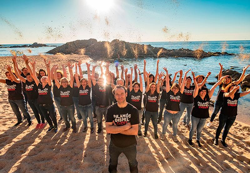La formació Palamós Gòspel Choir actua avui a les 8 a l'Arbreda. (Foto: facebook Palamós Gòspel Choir).