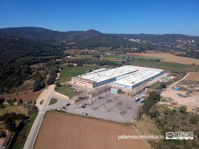 Vista aèria de la fàbrica Hutchinson, a Palamós.