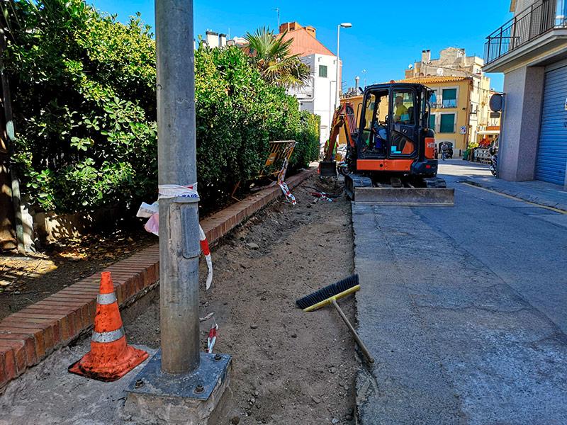 S'enderroca l'antiga vorera i es refà de nou. (Foto: Ajuntament de Palamós).