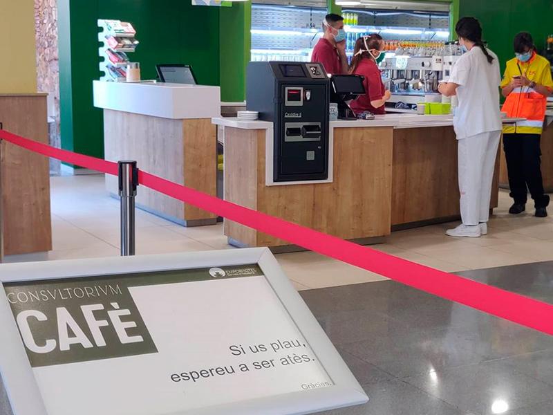 La cafeteria de l'hospital torna a estar oberta al públic. (Foto: SSIBE).