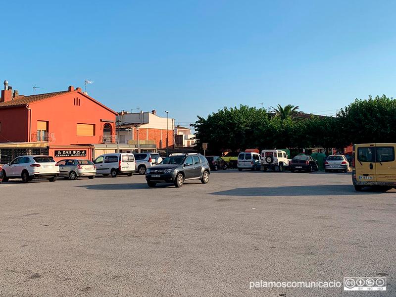 L'aparcament públic que hi ha al costat de la plaça de Vila-romà, al barri d'Es Pla.