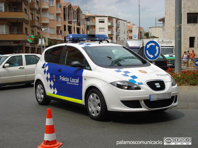 La Policia Local de Palamós va detenir els tres sospitosos.