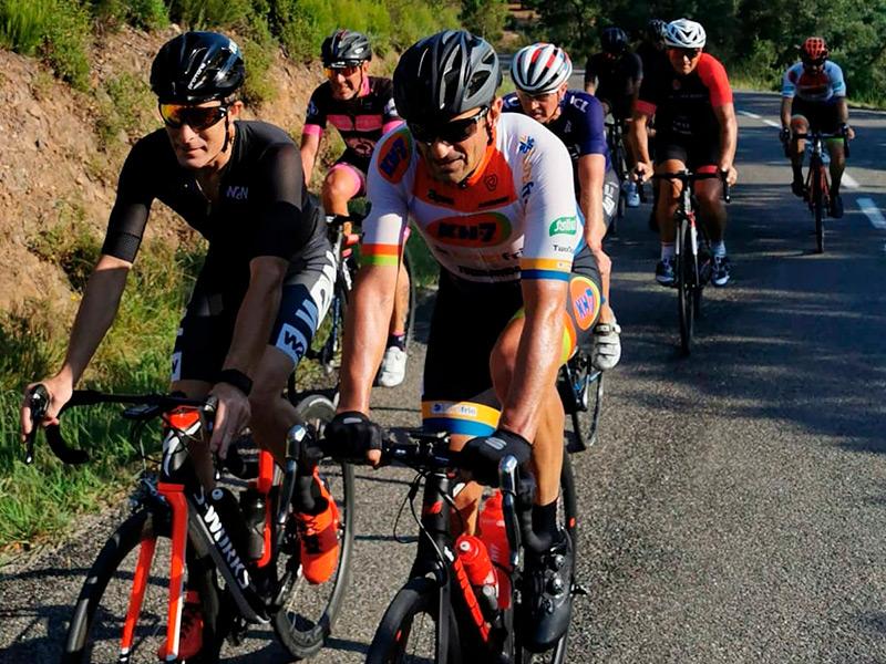 L'activitat està dirigida per Melcior Mauri, ex-ciclista professional i guanyador de la Vuelta a España.
