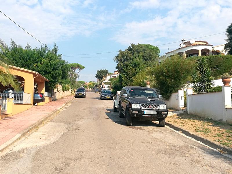 Un carrer de la Urbanització de Mas Pere. (Foto: Ajuntament de Calonge i Sant Antoni).